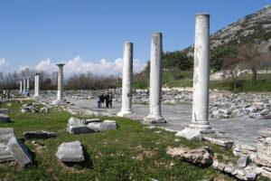 800px-Philippi_AgoraAndAcropolis
